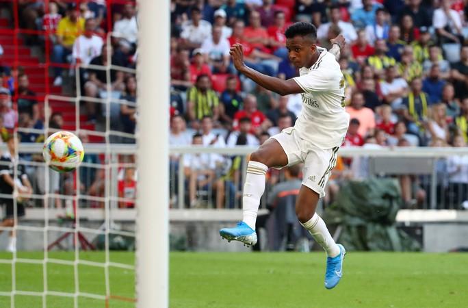 Real Madrid trắng tay trước Tottenham, mất vé chung kết Audi Cup - Ảnh 6.