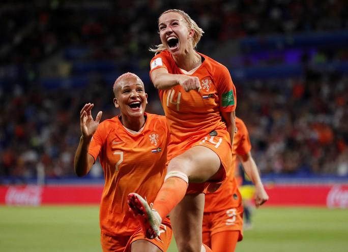 Hà Lan vào chung kết World Cup nữ nhờ bàn thắng vàng - Ảnh 4.