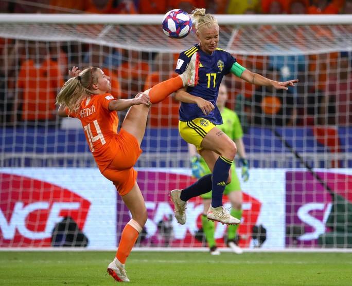 Hà Lan vào chung kết World Cup nữ nhờ bàn thắng vàng - Ảnh 2.