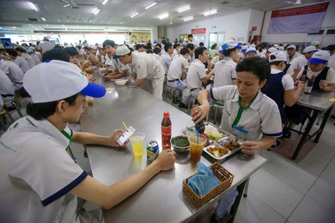 Góp ý Dự thảo Bộ Luật lao động: Đưa bữa ăn giữa ca vào luật - Ảnh 1.