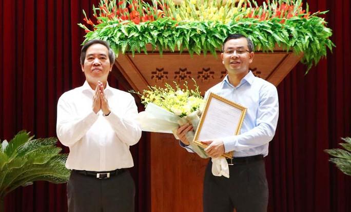 Phó Ban Kinh tế Trung ương làm tân Phó bí thư Hòa Bình - Ảnh 1.