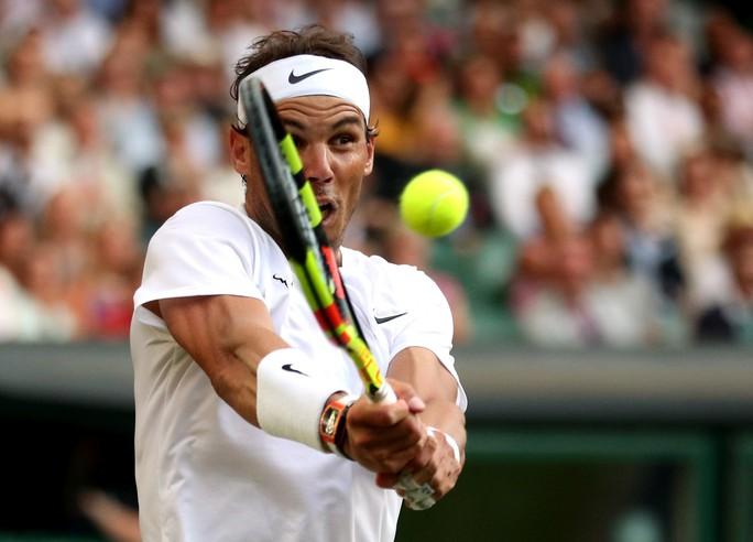 Clip Nadal bật cười vì cú giao bóng quái của Kyrgios - Ảnh 6.