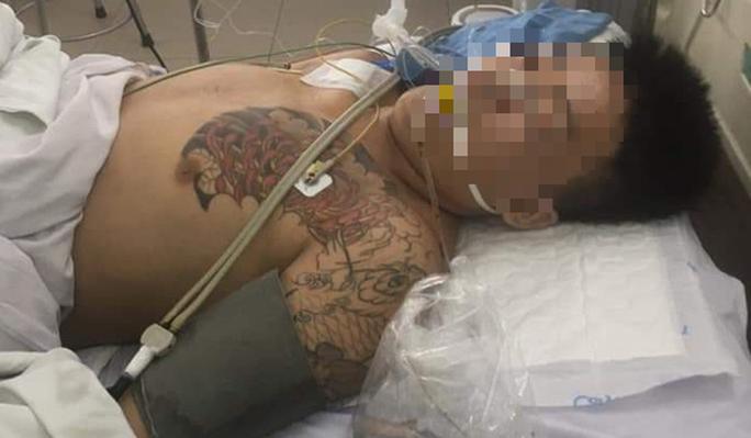 Bệnh nhân nguy kịch vì đái tháo đường khi tạm giam, người nhà vây bệnh viện - Ảnh 2.