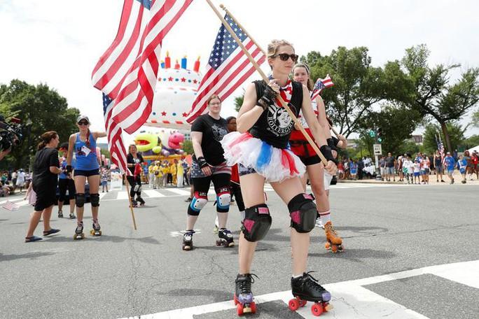 Mỹ phô diễn sức mạnh quân sự trong lễ mừng quốc khánh - Ảnh 12.