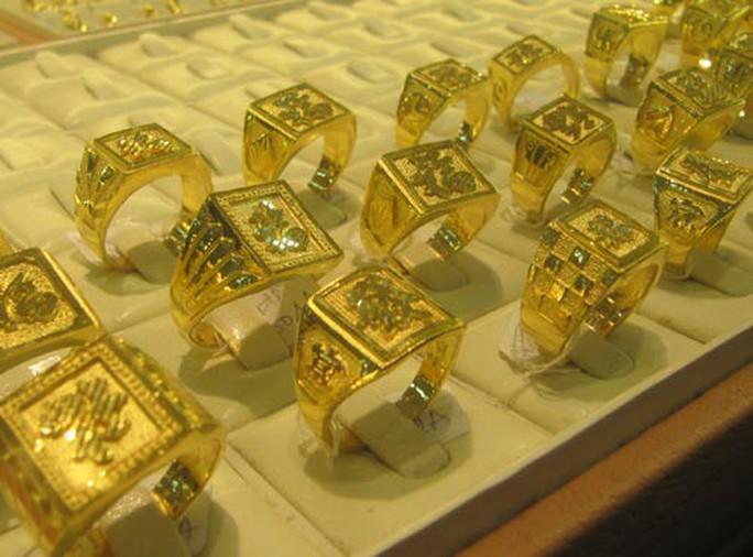 Giá vàng trang sức, vàng nhẫn vượt 40 triệu đồng/lượng - Ảnh 1.