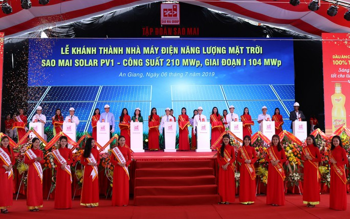 Khánh thành nhà máy điện mặt trời 6.000 tỷ đồng ở vùng Bảy Núi - Ảnh 1.