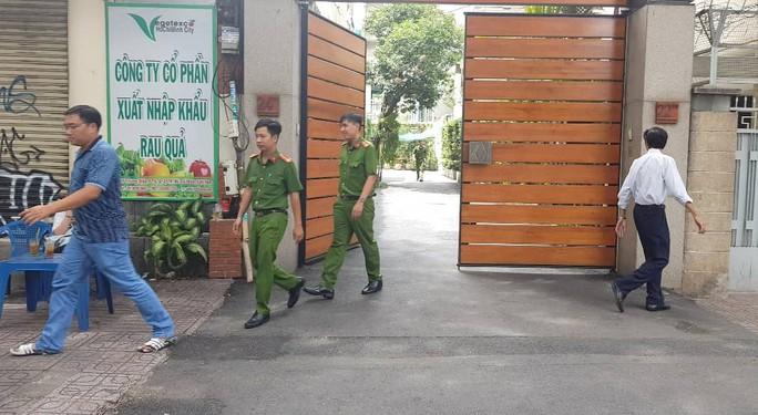 Bắt giam ông Lê Tấn Hùng, nguyên Tổng giám đốc SAGRI - Ảnh 4.