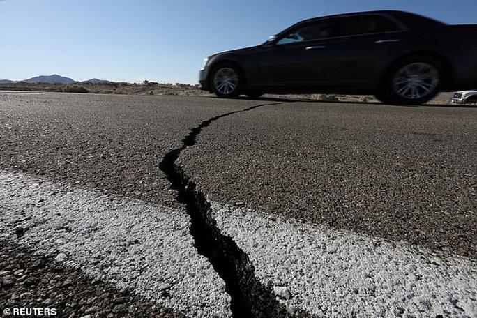 Thêm động đất mạnh cấp độ 6,9 và 1.700 dư chấn ở bang California - Ảnh 2.