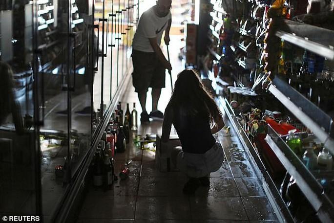 Thêm động đất mạnh cấp độ 6,9 và 1.700 dư chấn ở bang California - Ảnh 3.
