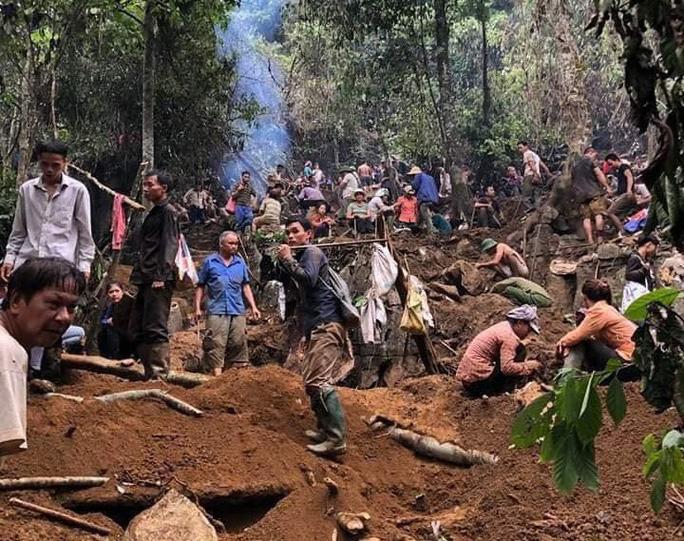 Vụ người dân đổ xô lên núi tìm đá quý: Có người bán được viên đá giá 3,8 tỉ đồng - Ảnh 1.