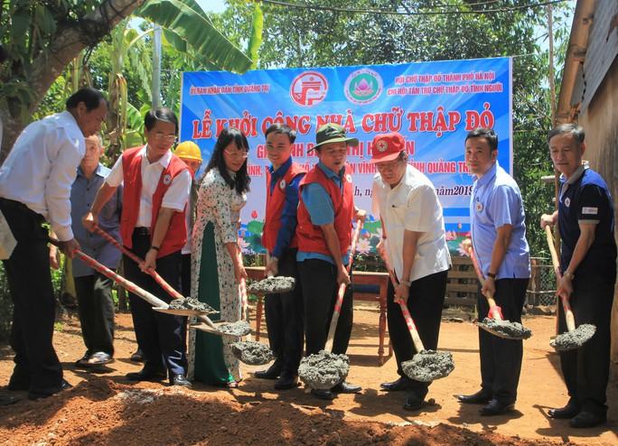 Trao 150 căn nhà Chữ thập đỏ cho gia đình chính sách - Ảnh 1.