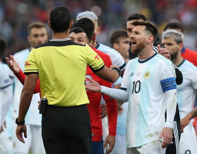 Messi dính thẻ đỏ oan ức, Copa America dậy sóng trận tranh HCĐ - Ảnh 5.