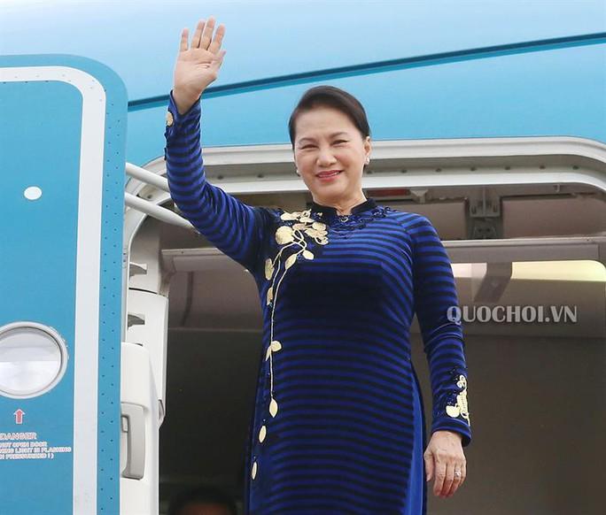 Chủ tịch Quốc hội Nguyễn Thị Kim Ngân lên đường thăm Trung Quốc - Ảnh 1.