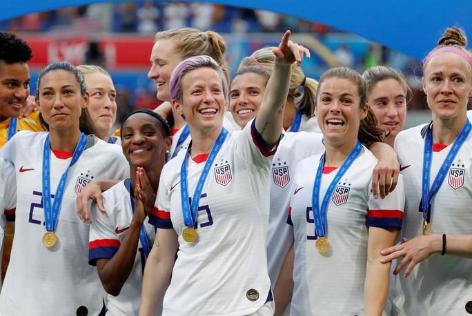 Tuyển nữ Mỹ giữ vững ngôi vương World Cup - Ảnh 2.