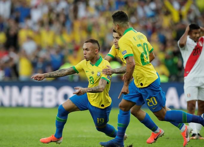 Thẻ đỏ, phạt đền, Brazil giành hết vinh quang Copa America - Ảnh 8.