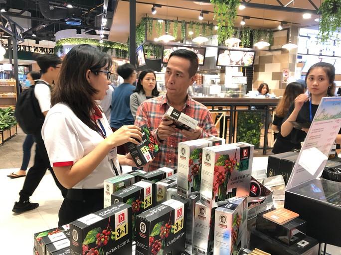 Hàng trăm đặc sản vùng cao Lâm Đồng đổ về siêu thị Nhật ở TP HCM - Ảnh 1.