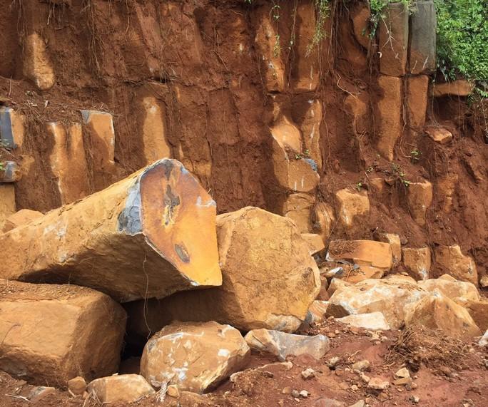 Điều tra vụ khai thác khoáng sản trong rừng do quân sự quản lý - Ảnh 1.