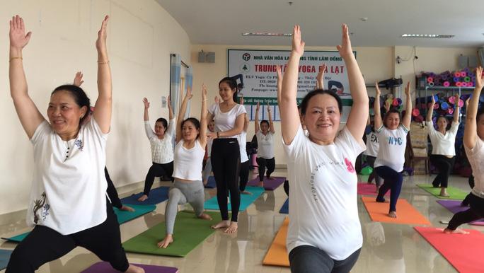 Tập yoga lâu nhưng sao càng mập, càng già? - Ảnh 1.