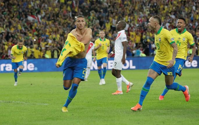 Thẻ đỏ, phạt đền, Brazil giành hết vinh quang Copa America - Ảnh 14.