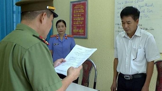 Truy tố 8 bị can vụ gian lận điểm thi THPT Sơn La gây rúng động dư luận - Ảnh 1.