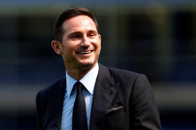 Tân HLV Chelsea Lampard mướt mồ hồi tập luyện cùng học trò - Ảnh 3.