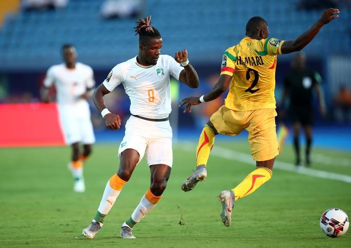 Clip: Đàn em Didier Drogba giúp Bờ Biển Ngà vào tứ kết CAN Cup 2019 - Ảnh 1.