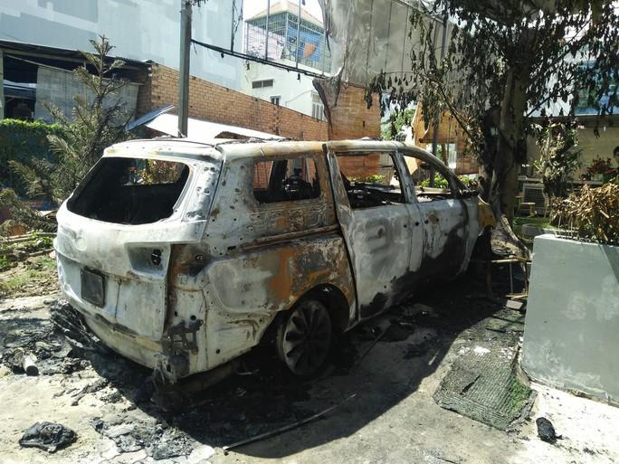 Chấn động vụ ném bom xăng vào quán cà phê ở TP Biên Hòa - Ảnh 2.