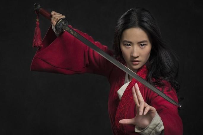 Trailer Hoa Mộc Lan của Lưu Diệc Phi gây tranh cãi - Ảnh 1.