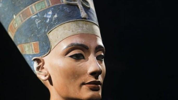 Nữ hoàng Ai Cập bị giấu trong mật thất của mộ người khác? - Ảnh 1.