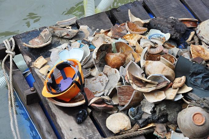 Chi 48 tỉ khai quật tàu cổ, thu được toàn... mảnh vỡ - Ảnh 2.