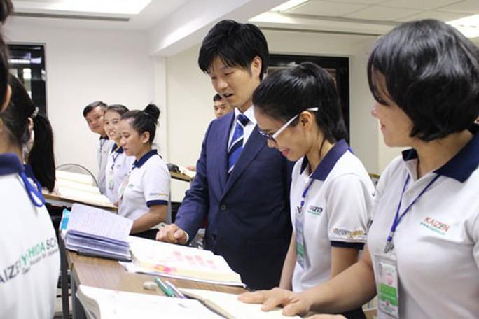 Lãnh đạo Bộ Ngoại giao Nhật Bản khảo sát thị trường nhân lực tại TP HCM - Ảnh 1.