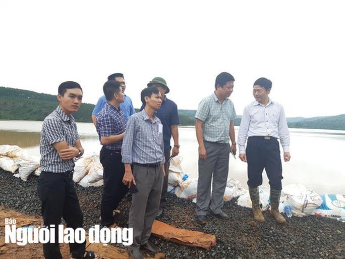 Cận cảnh giải thoát bom nước thủy điện Đắk Kar - Ảnh 12.