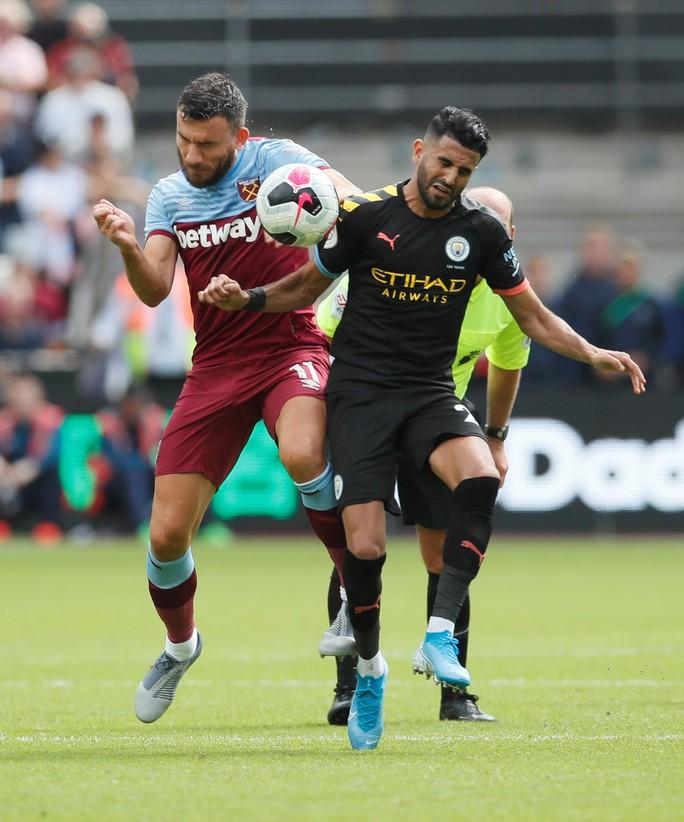 Sterling lập hat-trick, Man City vùi dập West Ham 5-0 - Ảnh 3.