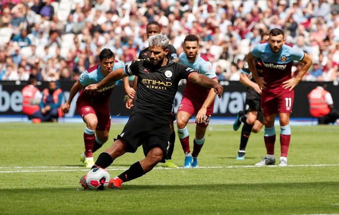 Sterling lập hat-trick, Man City vùi dập West Ham 5-0 - Ảnh 4.