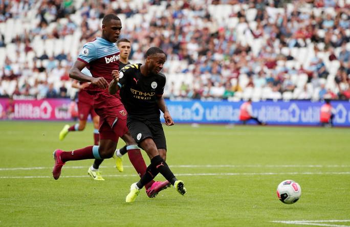 Sterling lập hat-trick, Man City vùi dập West Ham 5-0 - Ảnh 1.