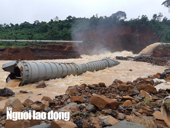 Cận cảnh giải thoát bom nước thủy điện Đắk Kar - Ảnh 10.