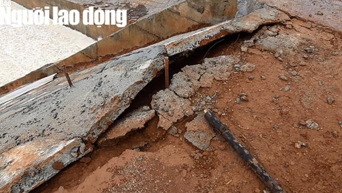 Cận cảnh giải thoát bom nước thủy điện Đắk Kar - Ảnh 9.