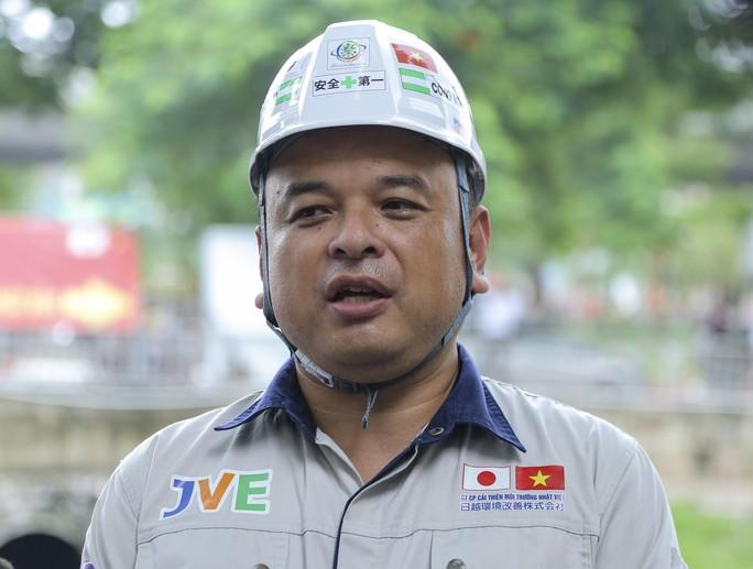 Chuyên gia Nhật tắm nước sông Tô Lịch gửi lời cảm ơn Thủ tướng, Chủ tịch Hà Nội - Ảnh 1.