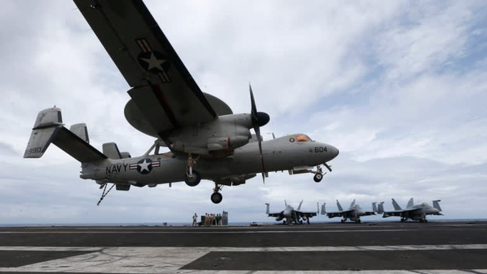 """Tàu sân bay Mỹ thả neo """"dằn mặt"""" Trung Quốc - Ảnh 2."""