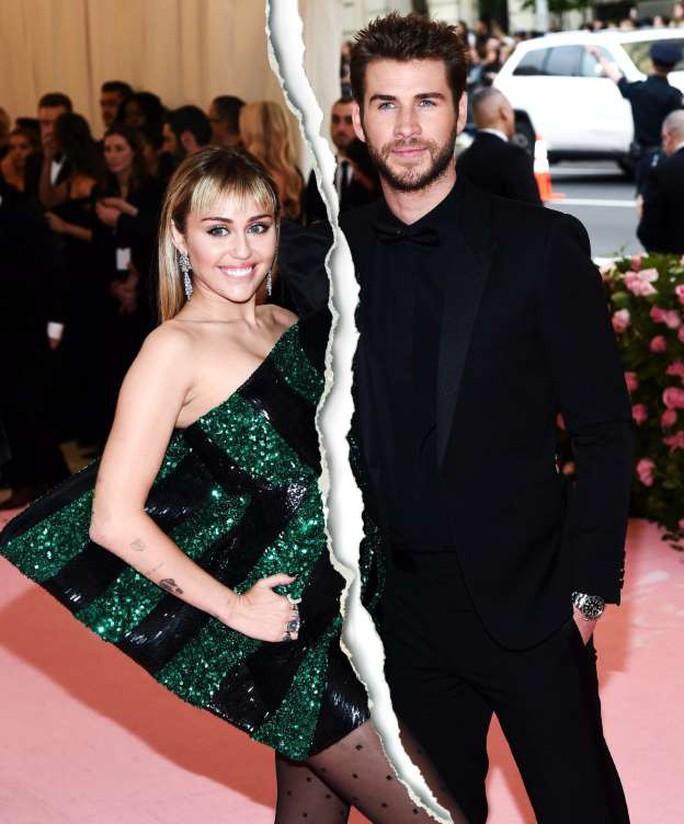 Vừa chia tay chồng, sao nữ Miley Cyrus hôn đắm đuối bạn gái mới - Ảnh 2.