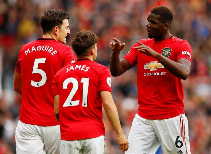 Paul Pogba hạnh phúc khi giúp M.U đè bẹp Chelsea - Ảnh 1.