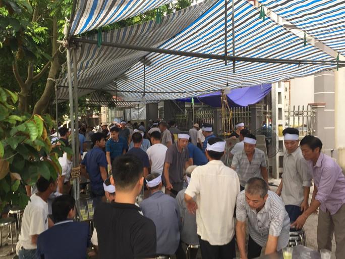Quang Hải về chịu tang ông nội ngay trong đêm sau khi lập hat-trick kiến tạo thắng Thanh Hóa - Ảnh 5.