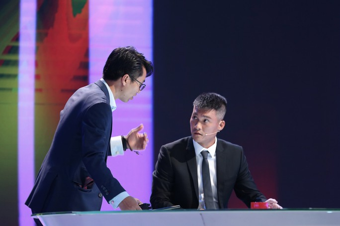 Công Vinh lần đầu sắm vai MC dẫn chương trình Thứ 9 Ngoại hạng trên K+ - Ảnh 3.
