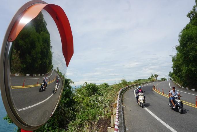 Đà Nẵng cấp thẻ xanh cho khách du lịch tham quan Sơn Trà - Ảnh 1.