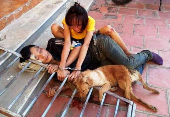 Cặp tình nhân rủ nhau đi trộm chó bị người dân tóm gọn - Ảnh 1.