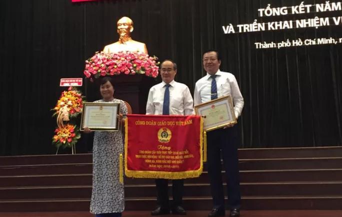 Bí thư Thành ủy Nguyễn Thiện Nhân: TP HCM luôn dành ưu tiên cao nhất cho giáo dục - Ảnh 2.