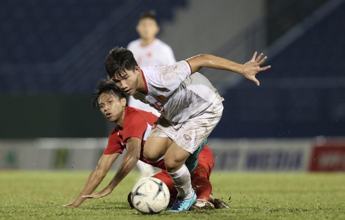 Tối nay, U18 Việt Nam quyết đấu Thái Lan giành vé vào bán kết - Ảnh 1.