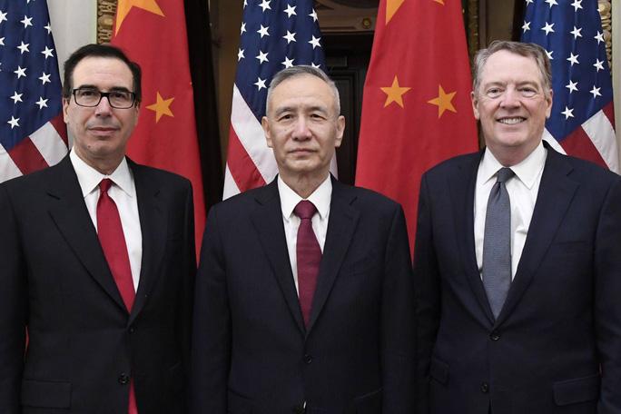 Chính quyền ông Trump bất ngờ hoãn áp thuế lên hàng hóa Trung Quốc - Ảnh 1.