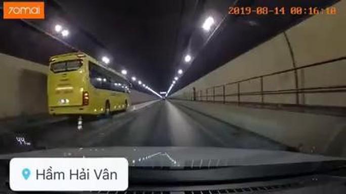 Vụ xe khách vượt ẩu trong hầm Hải Vân: Coi thường pháp luật, phải xử lý nghiêm minh - Ảnh 1.