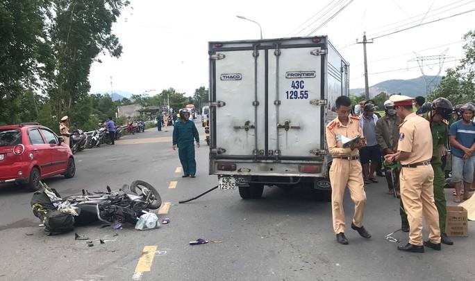Xe ben tông xe máy, cụ ông 74 tuổi tử vong thương tâm - Ảnh 2.